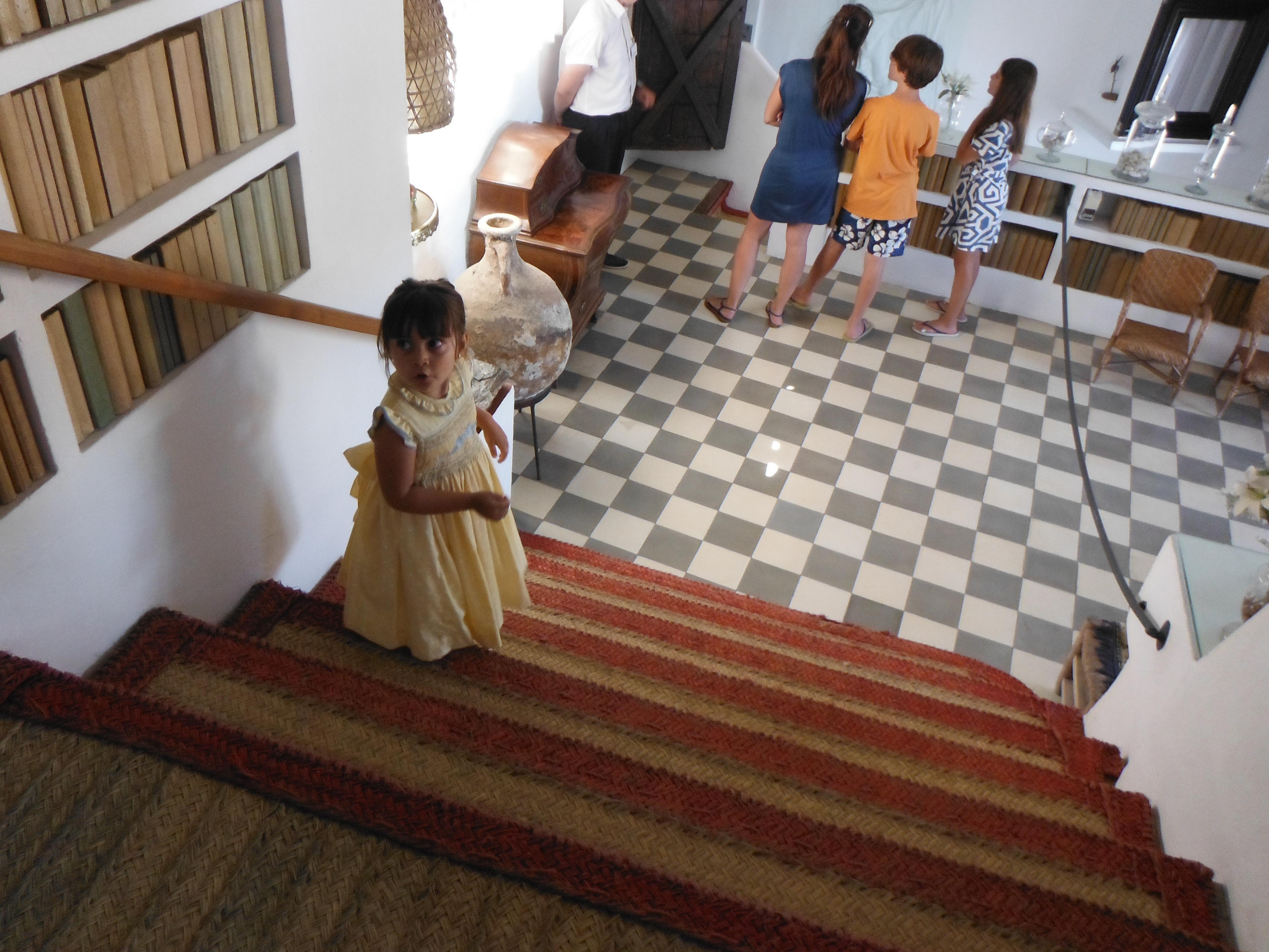 Laia Conociendo la Casa Museo Dalí en Port Lligat
